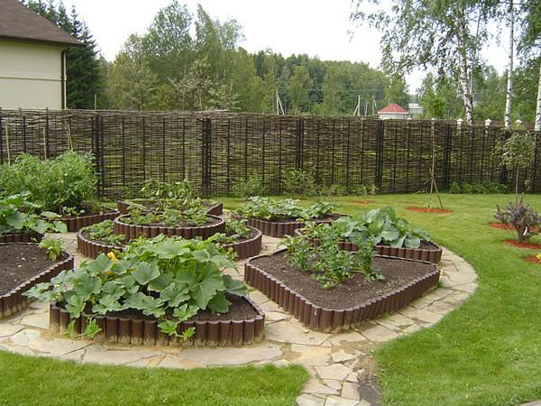 украшение сада своими руками фото/4435236_3 (600x450, 153Kb)