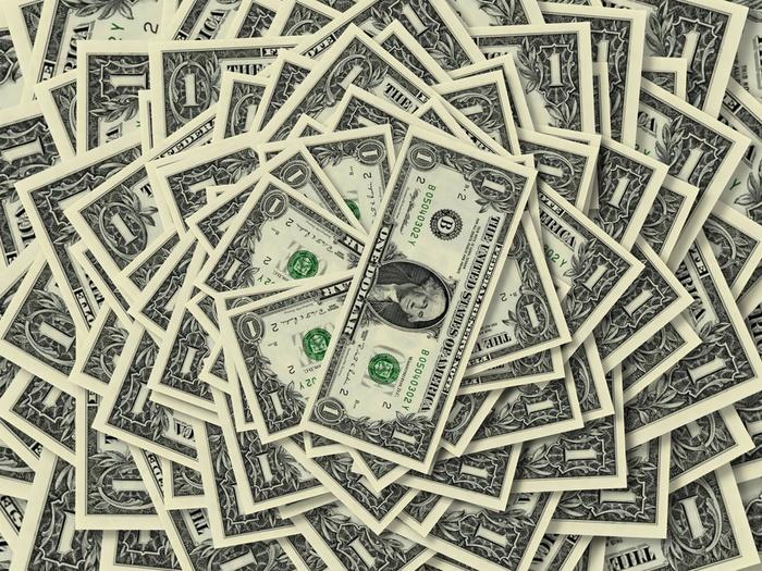 как стать богатым/1369471753_den_gi_foto (700x525, 246Kb)