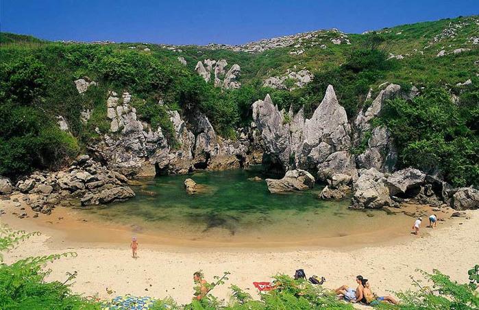 Пляж Плайя-де-Гульпиюри Испания 1 (700x452, 174Kb)