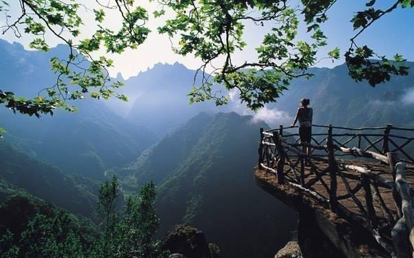 Горы острова Мадейра, Португалия (604x377, 44Kb)