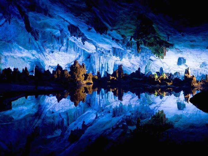 Пещера Тростниковой Флейты, Гуйлин, Китай (700x525, 56Kb)