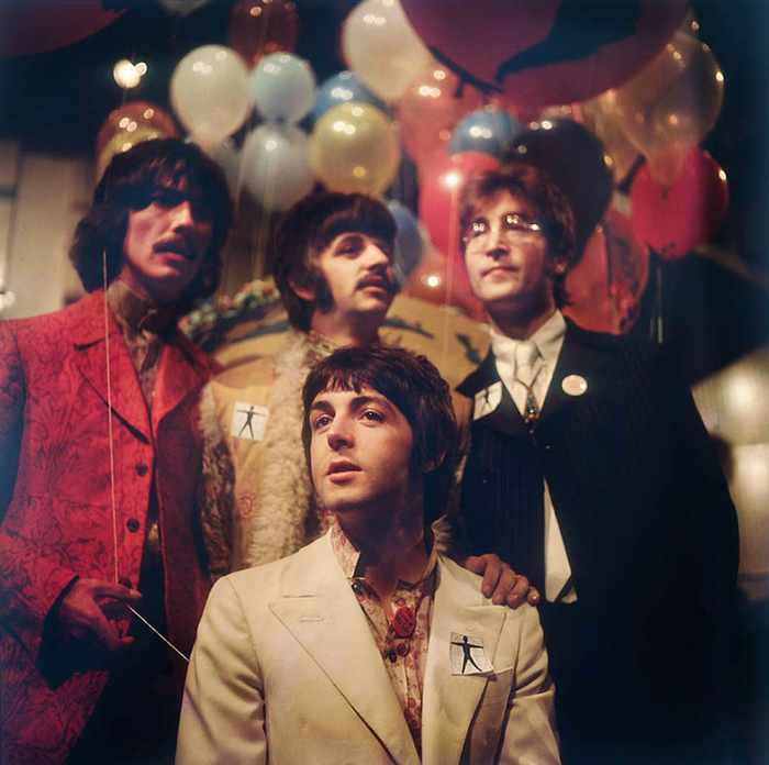 101188571_large_The_Beatles14 (700x696, 485Kb)