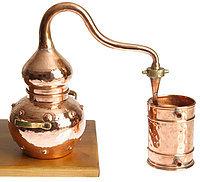 Практичный и оригинальный подарок -  самогонный аппарат.