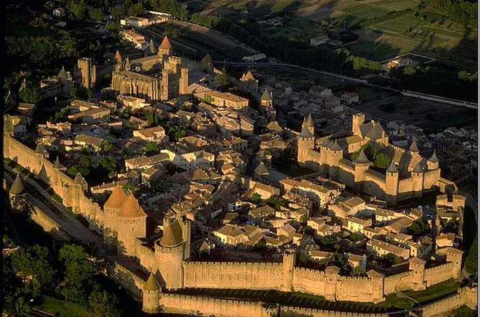 Carcassonne (700x462, 59Kb)