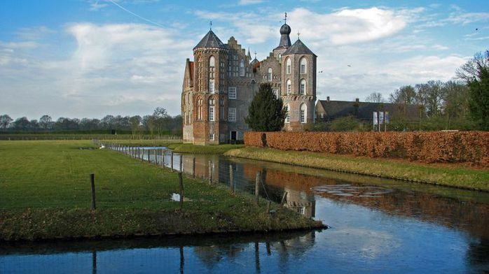 Zamok-Krua-Niderlandy-05 (700x392, 52Kb)