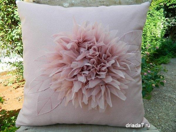 Подушка на диван своими руками фото