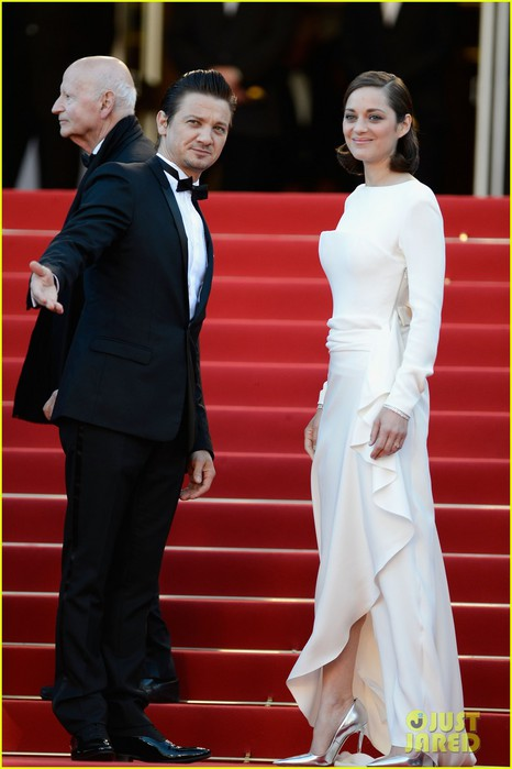 marion-cotillard-jeremy-renner-the-immigrant-cannes-premiere-10 (466x700, 63Kb)