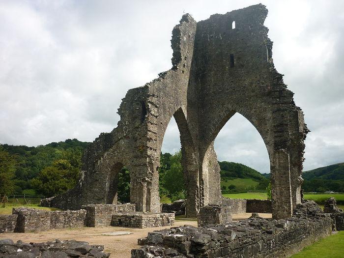 1024px-Eglwys-y-Grog,_Mwnt,_Pembrokeshire (700x525, 82Kb)