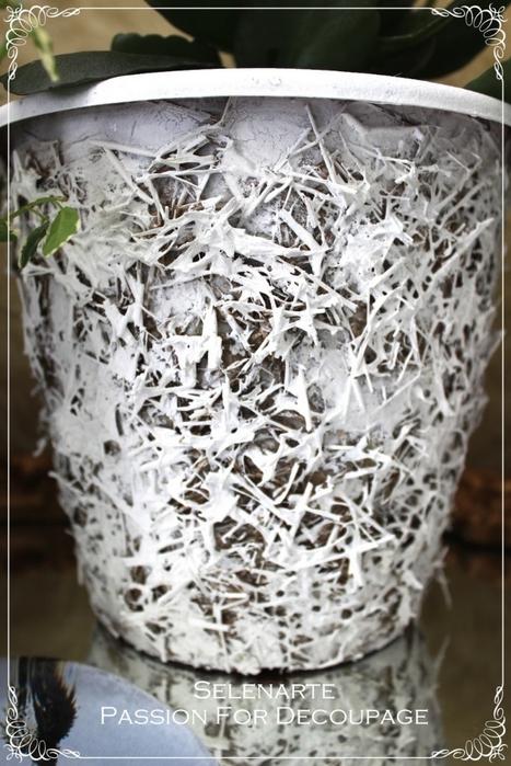 Декорирование цветочных горшков соломой и сухими листьями (19) (467x700, 269Kb)