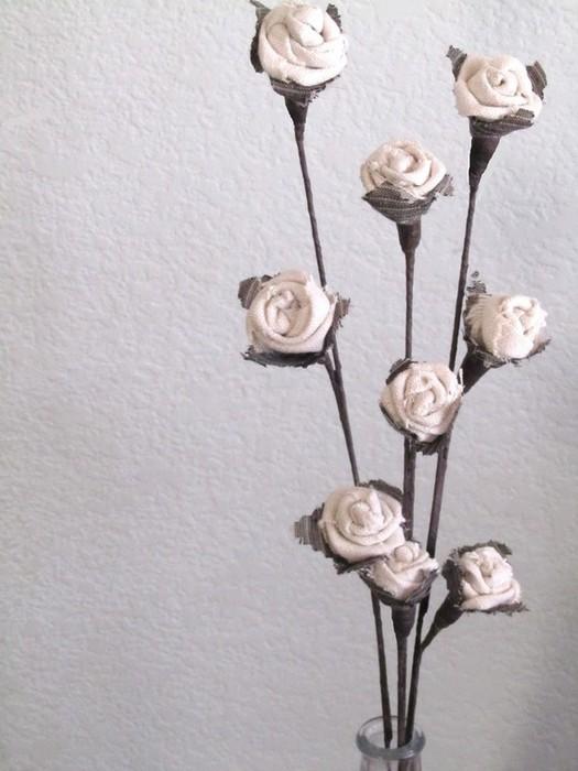 Текстильные цветы и веточки на проволоке и декор вазы тканью (19) (525x700, 75Kb)