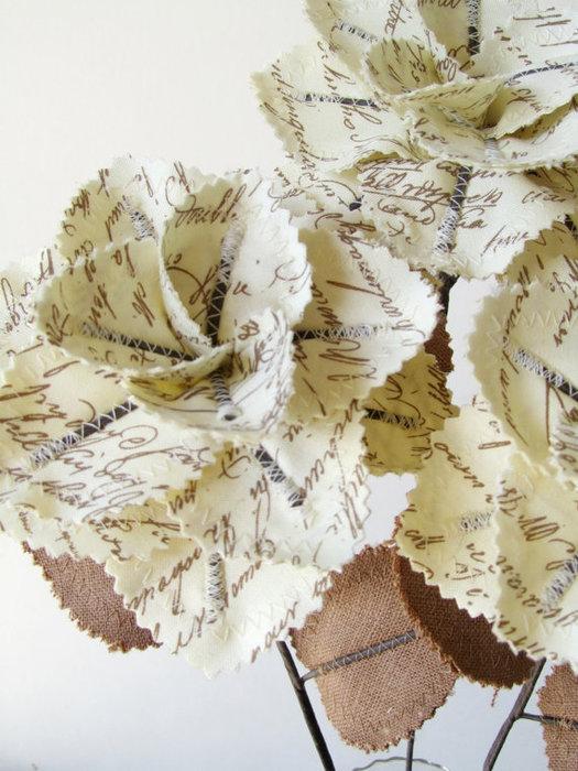 Текстильные цветы и веточки на проволоке и декор вазы тканью (25) (525x700, 101Kb)