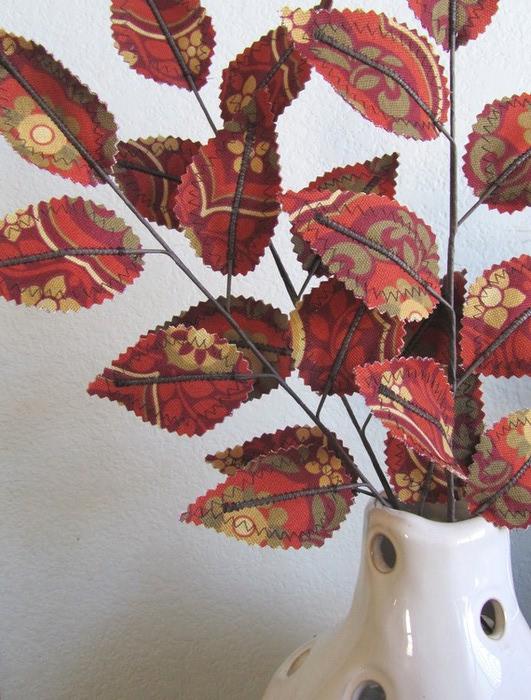 Текстильные цветы и веточки на проволоке и декор вазы тканью (33) (531x700, 128Kb)