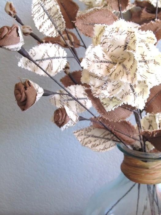 Текстильные цветы и веточки на проволоке и декор вазы тканью (39) (525x700, 98Kb)