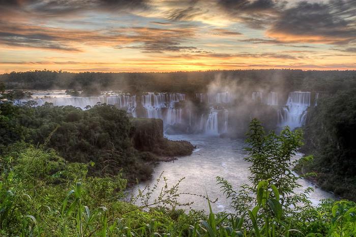 Водопады-Игуасу- (700x467, 144Kb)