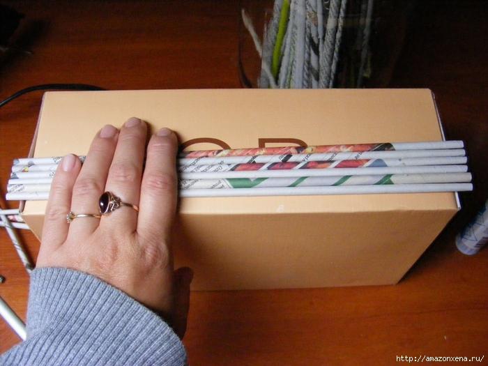 Декорирование обувной коробки газетными трубочками. Мастер-класс (9) (700x525, 265Kb)