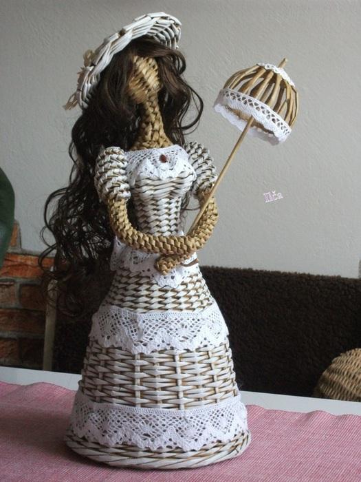 Плетение. Куколка из газетных трубочек (4) (525x700, 134Kb)