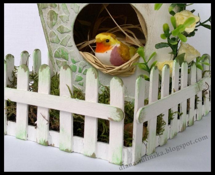 Домик для птички из картона, палочек от мороженого, с мозаикой из яичной скорлупы (2) (700x571, 273Kb)