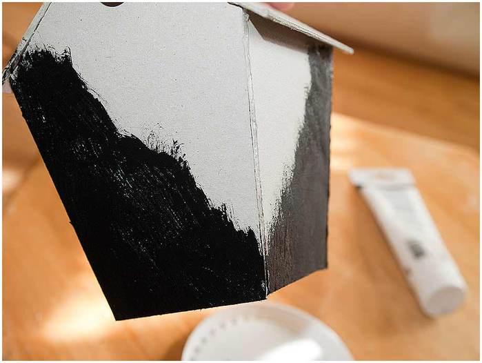Домик для птички из картона, палочек от мороженого, с мозаикой из яичной скорлупы (16) (700x526, 38Kb)