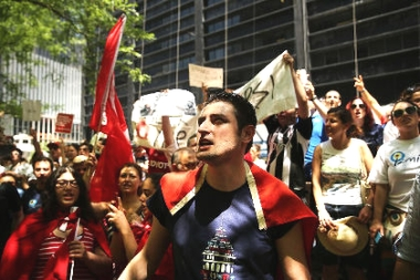 Нью-Йорк - протесты против Турции (380x253, 102Kb)