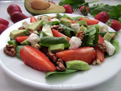 салат с клубникой и шпинатом (400x300, 37Kb)