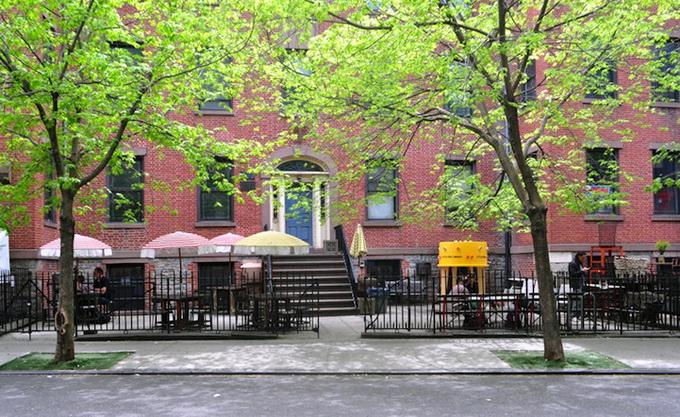социальный проект уличная библиотека в нью-йорке 7 (680x417, 189Kb)