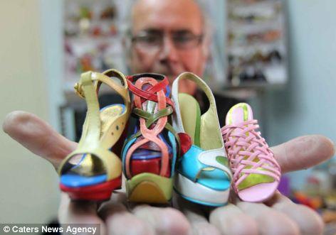 миниатюрные туфли Мануэль Бордера 4 (472x331, 24Kb)