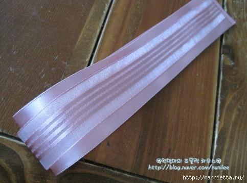Украшения своими руками. Заколка из брошки и атласной ленты (5) (483x358, 110Kb)