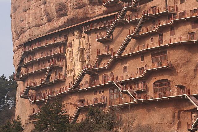 буддийский комплекс Майцзишань китай 1 (640x426, 151Kb)