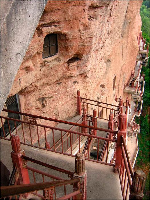 буддийский комплекс Майцзишань китай 7 (525x700, 149Kb)