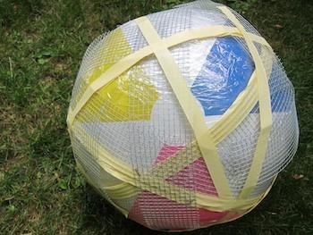 Bolas decorativas feitas de cimento para o jardim.  Idéias e master class (48) (350x263, 55KB)