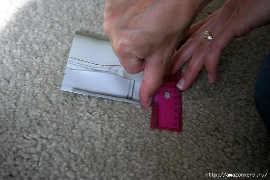 Как сделать сумочку для подарка из журнальных страниц (10) (550x367, 111Kb)