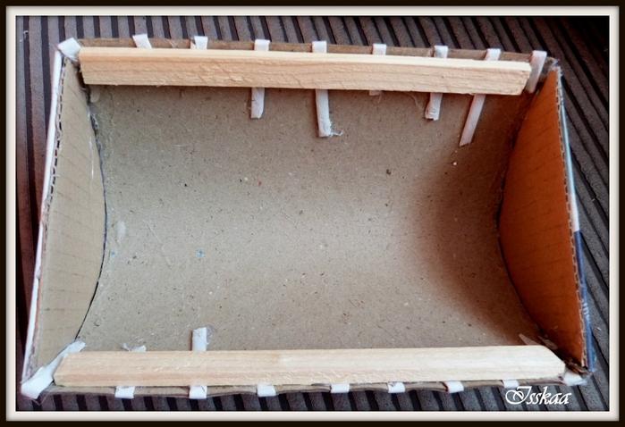 Сундучок из коробки, оплетание газетными трубочками. Мастер-класс (10) (700x478, 230Kb)