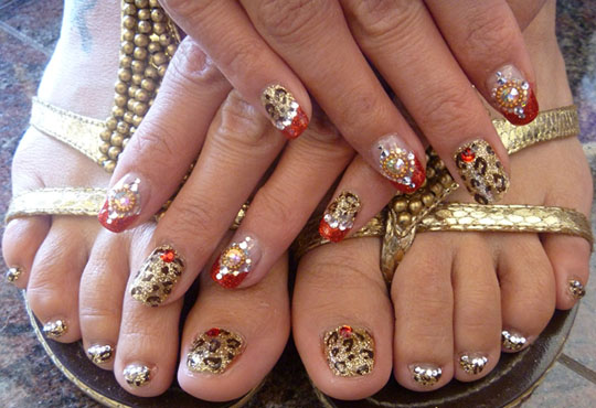 modnyj_pedicure_2012_foto_36 (540x370, 87Kb)