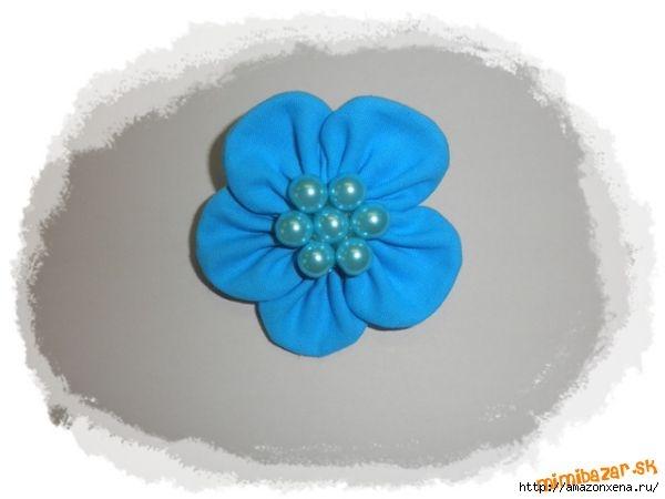 Мастер-класс по созданию цветочков из ткани для украшения детской одежды (10) (600x450, 69Kb)
