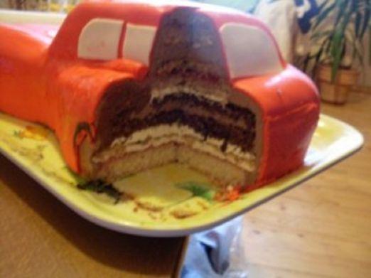 3D торты для мальчика. Автомобили (17) (522x391, 25Kb)