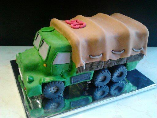 3D торты для мальчика. Автомобили (33) (512x384, 111Kb)