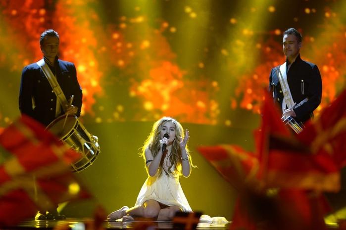 Эммили де Форест с песней «Only Teardrops» «Только слёзы») финал конкурс песни «Евровидение-2013» в шведском Мальме.© Валерий Мельников РИА Новости (700x465, 115Kb)