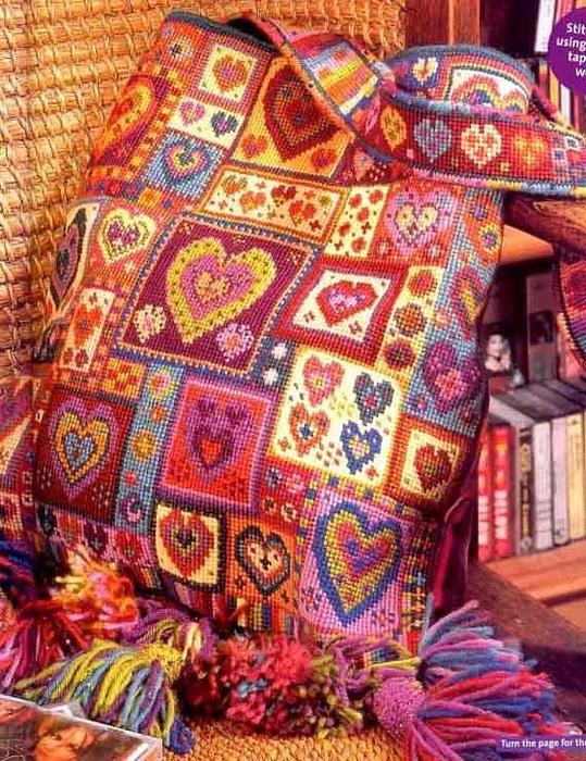 Красивая сумка, мимо такой
