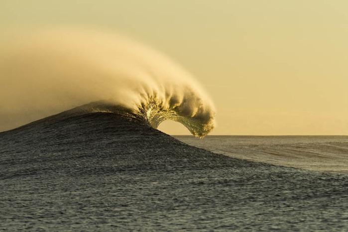 красивые волны фото 4 (700x466, 72Kb)