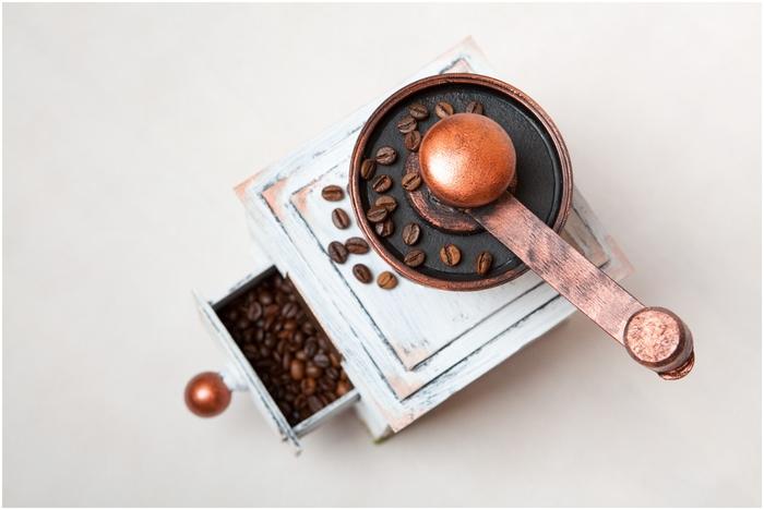 Винтажная кофемолка из картона. Мастер-класс. Супер! (10) (700x468, 149Kb)