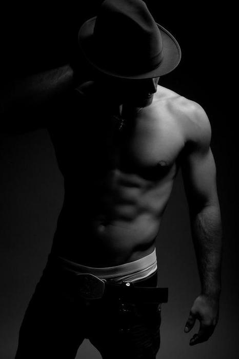Черно белое  в шляпе