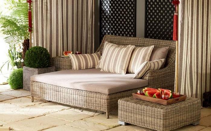 Плетеное кресло и другая мебель для сада 20 (700x434, 109Kb)