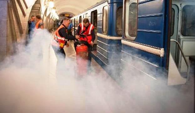 2ТЭ10М запуск двигателя в trainz simulator 2009 запуск тепловоза 2тэ10м видео урок траинз запуск двигателя тепловоза...