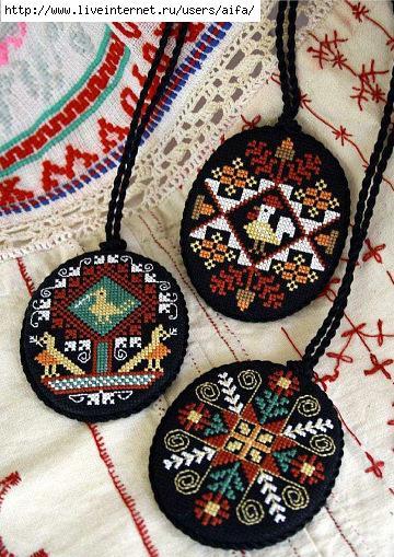 Медальоны вышивка крестом схемы