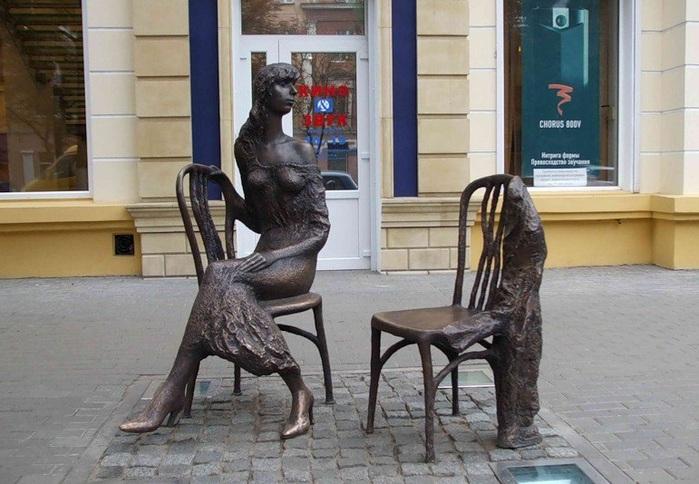 статуями незнакомыми нельзя на фотографироваться чужбине с