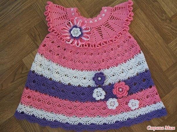 Розовое платье для малышки -