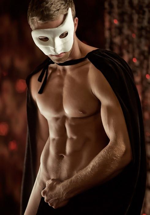 foto-seksualnih-parney-v-maskah