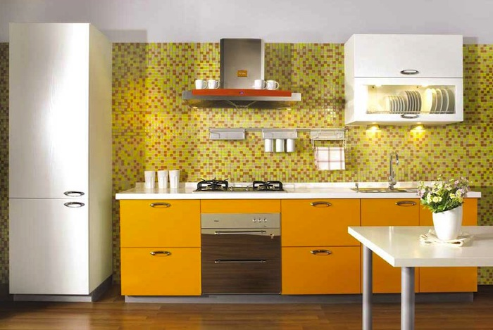 eye_catching_small_kitchen (700x469, 93Kb)