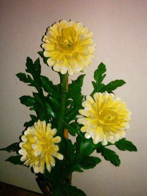 цветы из пластиковых бутылок (25) (480x640, 162Kb)
