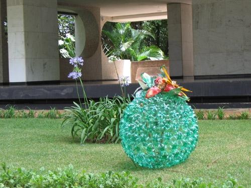 цветы из пластиковых бутылок (35) (500x375, 166Kb)